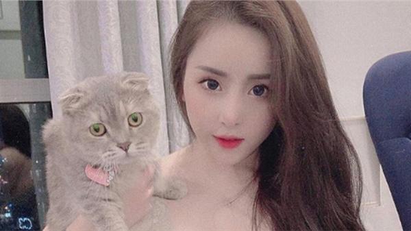 Chiêm ngưỡng nhan sắc nóng bỏng của nàng hot streamer LQMB Việt, số đo ba vòng 86-63-90 vạn người mê
