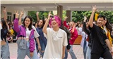 Tlinh cháy hết mình cùng teen Chuyên Sư Phạm Hà Nội trong ngày hội Flashmob Day