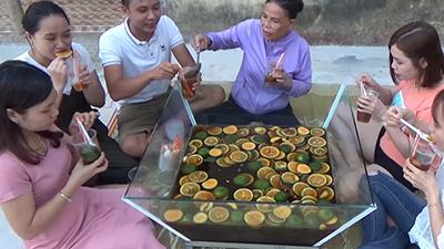 Học theo Bà Tân làm món ăn 'siêu to khổng lồ', kênh Youtube Bà Tâm Quảng Nam gây tranh cãi về ý tưởng