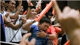 Fan nhí bật khóc khi chứng kiến Danang Dragons 'lật kèo' ngoạn mục giành chiến thắng