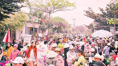 Chợ quê ngày Tết sáng 30 ở xứ Quảng: Kí ức tuổi thơ ai cũng muốn một lần được đắm chìm