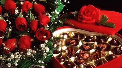 Nữ sinh tố bạn trai keo kiệt vì quà Valentine chỉ vỏn vẹn 300.000 đồng và cái kết cả đôi bị 'ném đá' vì lí do này