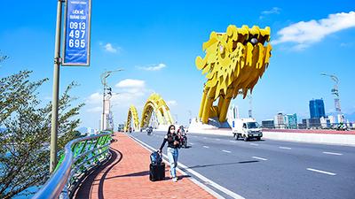 Loạt điểm đến nổi tiếng ở Đà Nẵng vắng khách, các dịch vụ ăn theo đìu hiu chờ qua mùa dịch