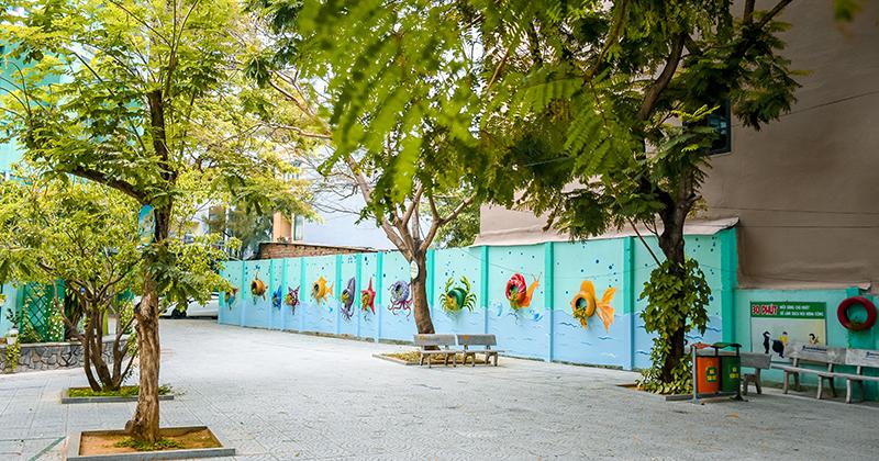 Tranh thủ thời điểm học sinh nghỉ dịch, trường học Đà Nẵng tái chế lốp xe cũ, biến khuôn viên trường thành ốc đảo