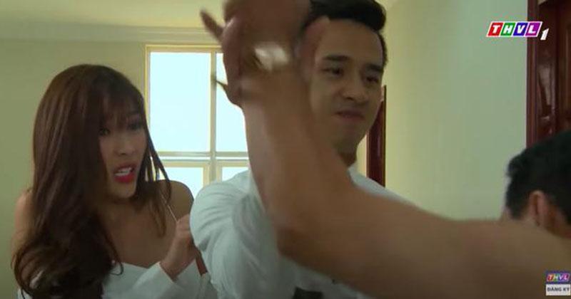 'Mẹ ghẻ': Lộ cảnh Thúy Diễm bị gã dê xồm giở trò đồi bại trong khách sạn, Lương Thế Thành xuất hiện vừa kịp lúc