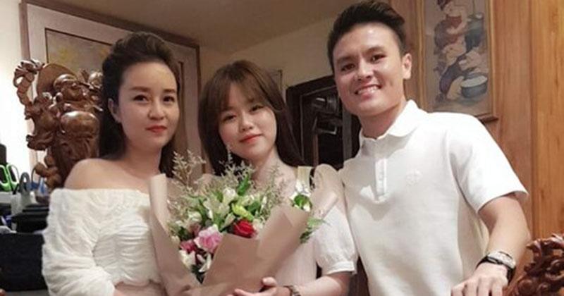 Huỳnh Anh tình tứ bên bạn trai cùng nhau làm điều này cho mẹ nuôi Quang Hải
