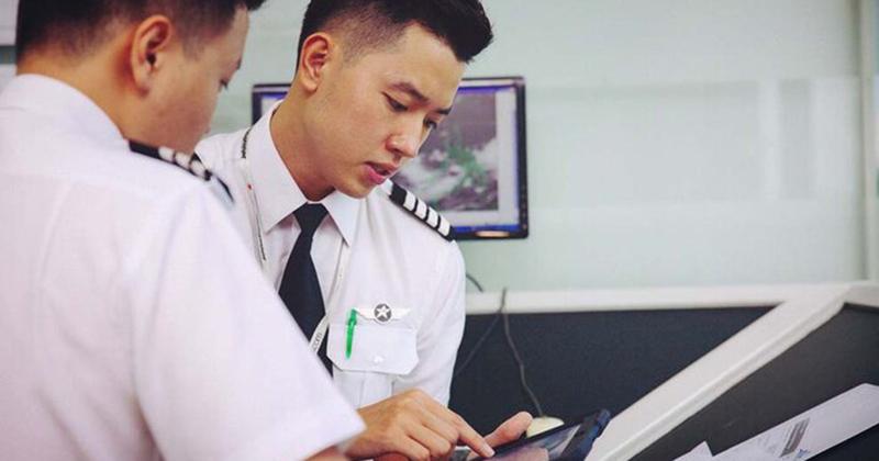 Thu nhập 'khủng' từ nghề phi công, 'cơ trưởng trẻ nhất Việt Nam' có cuộc sống khiến ai cũng ngưỡng mộ