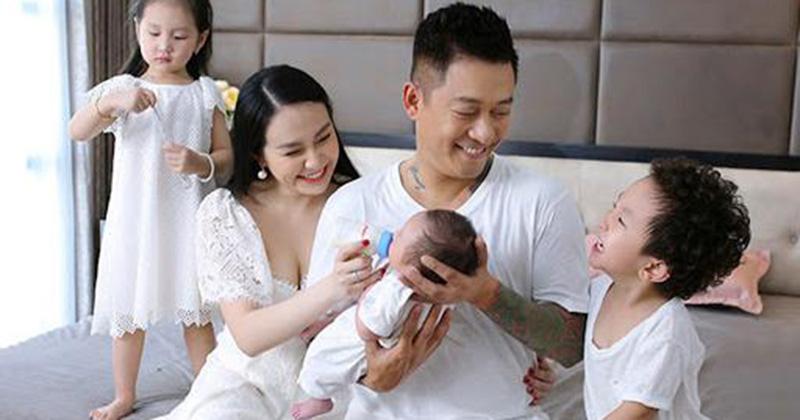 Tạm ngừng ca hát để dành thời gian cho gia đình, Tuấn Hưng được vợ gửi lương tháng lên đến 8 số 0 để chi tiêu?