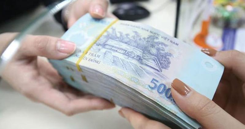 Dân mạng phẫn nộ câu chuyện chàng trai cho vợ sắp cưới mượn tiền 'lấy lãi'