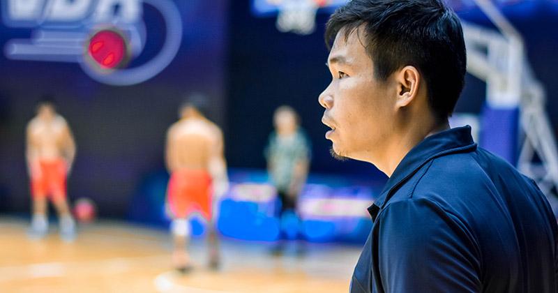 HLV Danang Dragons nói về 'mối quan hệ thực sự' của cầu thủ các đội phía sau sân đấu VBA 2020