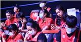 Khách mời nhuộm đỏ một góc sân VBA Arena cổ vũ những 'chiến binh khủng long'