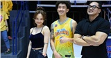 Clip: Miu Lê cùng 'bạn trai tin đồn' đi xem bóng rổ