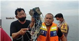 Lời kể của ngư dân trên biển khi máy bay Indonesia rơi: 'Tôi nghe thấy 2 tiếng nổ lớn'