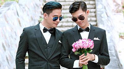 Chuyện tình gặp 3 lần rồi yêu, quen 3 tháng là cưới của đôi đồng tính nam