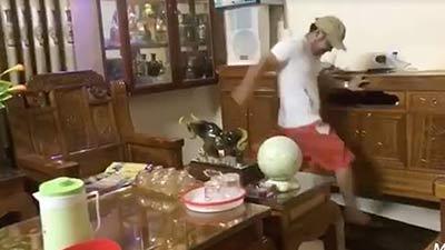 Thanh niên Hà Tĩnh đập nát ti-vi mùa World Cup: Xả stress là chính, không có gì ngoài điều kiện