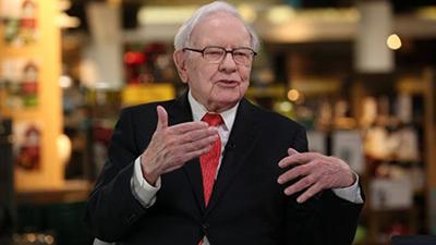 Tỷ phú giàu thứ 3 thế giới 'chê iPhone X', dùng điện thoại giá 500.000 đồng