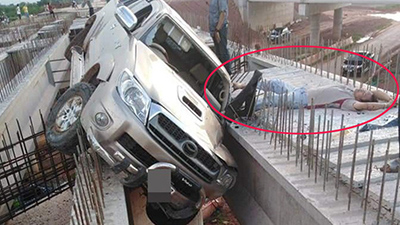 Hiện trường vụ tai nạn 'ảo' nhất ngày: Ô tô 'bay' lên chiếc cầu đang xây