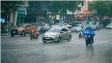 Cuối cùng Hà Nội đã mưa, mừng vui chưa hết, dân tình lại lo ngập lụt