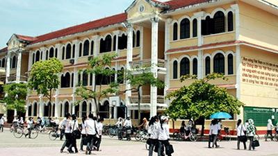 THPT Chuyên Lê Hồng Phong (Nam Định): Chỉ có 6 điểm 10 nhưng điểm trung bình THPT quốc gia vẫn cao chót vót