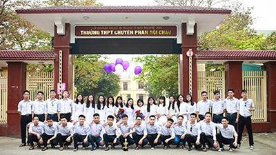 'Tất tần tật' về ngôi trường có nhiều thí sinh đạt điểm 10 tại Nghệ An - THPT Chuyên Phan Bội Châu