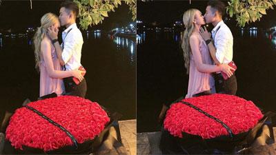 5 tháng yêu, thanh niên quỳ gối cầu hôn bạn gái hơn 3 tuổi bằng 365 bông hồng giữa phố