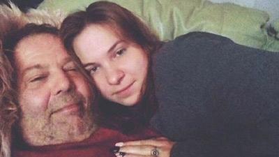 Bị chỉ trích là 'bệnh hoạn', 'đào mỏ', cặp đôi chênh nhau 42 tuổi vẫn yêu nhau say đắm