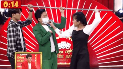 Thanh niên 'gài' cảnh Trường Giang vỗ mông nữ sinh trên xe buýt khiến Trấn Thành cười không dứt