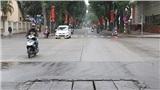 Chùm ảnh Hà Nội ngày 30 Tết: Vắng vẻ và yên bình đến lạ...