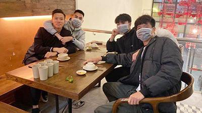 Phòng dịch Corona, Đức Huy, Xuân Trường, Minh Long cùng đeo khẩu trang trong dịp hội ngộ đầu năm