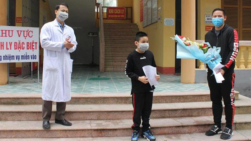 Bệnh nhi mắc Covid-19 đầu tiên ở Hải Dương khỏi bệnh và xuất viện: Bé trai 11 tuổi về từ London