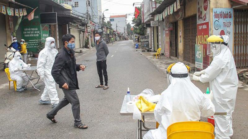 Vừa công bố kết quả xét nghiệm của 333 người có liên quan đến ổ dịch phức tạp ở thôn Hạ Lôi