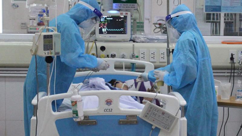 Phi công Vietnam Airlines vẫn nguy kịch, tổn thương phổi và gan nặng hơn