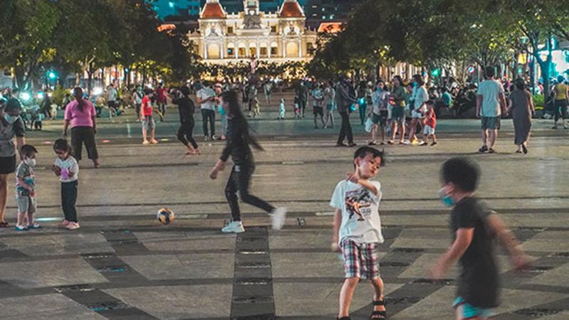 Những địa điểm vui chơi 'khét tiếng' ở Sài Gòn tấp nập ngay trong đêm đầu tiên được nới lỏng giãn cách xã hội