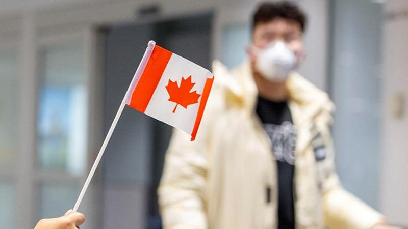 Đưa gần 300 công dân Việt Nam từ Canada về nước tránh dịch