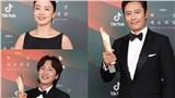 Kết quả 'Baeksang Arts Awards 2020' gây sốc: Phim Exit 'hạ gục' phim Ký sinh trùng giành giải kịch bản xuất sắc nhất