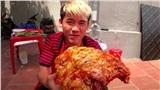 Dùng tay trần để sờ mó, chế biến đồ ăn, con trai bà Tân Vlog lại đưa ra lý lẽ bất ngờ khiến dân mạng cho rằng, Hưng Vlog đã sai lại còn bảo thủ