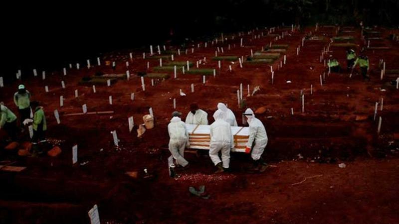 Xông vào bệnh viện cướp thi thể nạn nhân Covid-19 về chôn cất