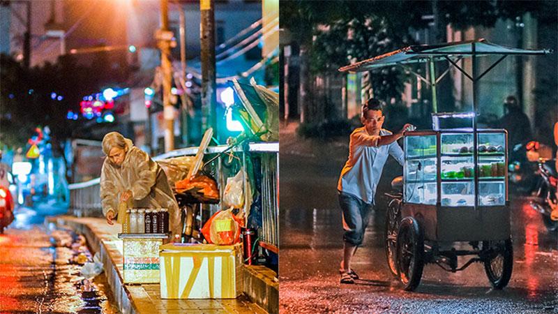 Gánh hàng rong vắng khách buồn bã giữa đêm mưa Sài Gòn: Mưu sinh chưa bao giờ dễ dàng...