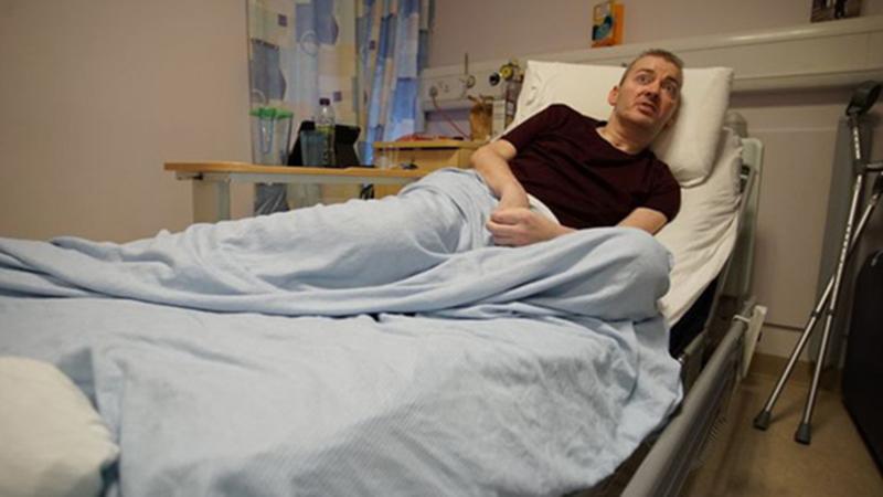 Từ đất nước xa xôi, phi công Anh và quá trình hồi sinh kỳ diệu từ cõi chết: 'Đừng chủ quan với virus Corona'