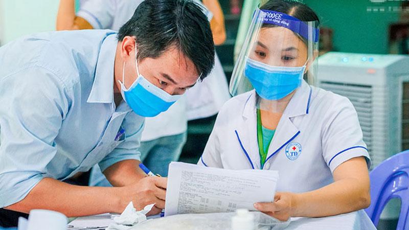 Đã có kết quả xét nghiệm của giáo viên người Nam Phi từ Đà Nẵng về Nghệ An bị đau họng, khó thở