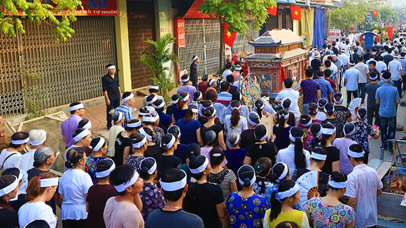 Một bệnh nhân Covid-19 ở Quảng Nam đang cách ly tại nhà vẫn ra ngoài dự đám tang nhiều người