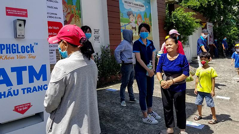 'ATM khẩu trang' sẽ lưu động đến các quận huyện giúp bà con Sài Gòn chống dịch