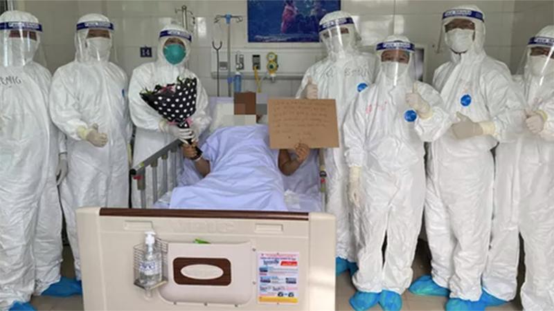 Đà Nẵng: Bệnh nhân Covid-19 từ cõi chết trở về và lời cảm ơn ân nhân trên giường bệnh