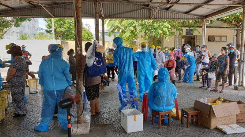 Phát hiện thêm 3 tiểu thương mắc Covid-19 ở chợ Tân Lập và Siêu thị, Đà Nẵng thông báo khẩn trong đêm tìm người đã tiếp xúc