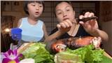 Sau rắc rối bị tắt kiếm tiền trên YouTube, Quỳnh Trần JP vội thay đổi cách làm video, tiết lộ điều bé Sa khiến cô buồn nhất hiện tại