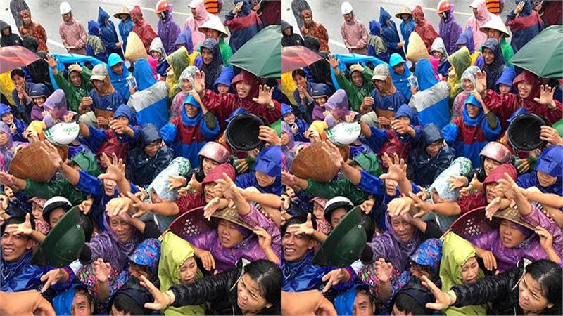 Người dân vùng lũ đội mưa nhận hàng cứu trợ: Những nụ cười le lói chờ nắng lên
