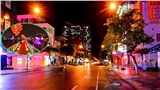 Đường phố Đà Nẵng vắng tanh không một bóng người trong đêm bão số 9 đổ bộ