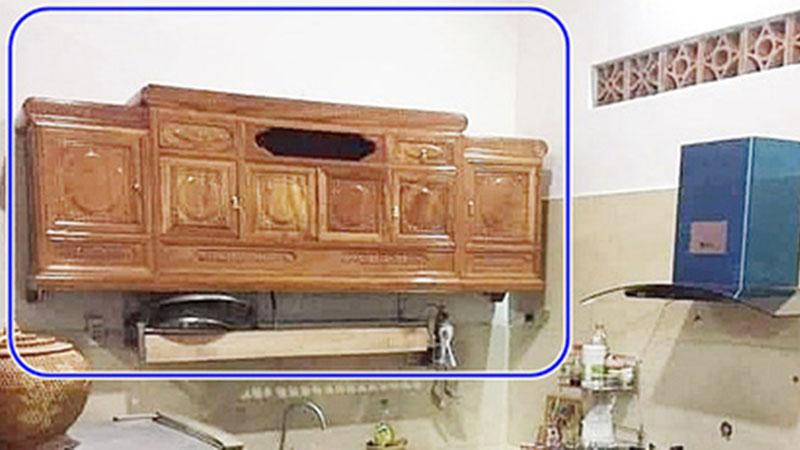 Pha thiết kế nội thất 'đi vào lòng đất': Đặt chiếc kệ tivi ở phòng khách, nhưng lại mang vô nhà bếp treo lên tường làm tủ để chén