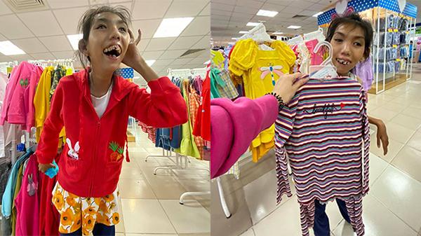 Nụ cười hạnh phúc của cô bé 18 tuổi bị teo não bẩm sinh khi được mua quần áo mới: Em vui lắm
