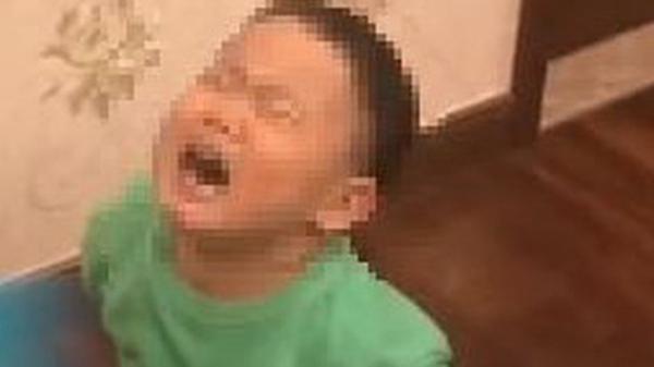 Bé trai 4 tuổi không chịu ngủ cùng bố bởi vì 'Bố quá xấu', mẹ biết chuyện đáp trả một câu không thể nhịn cười